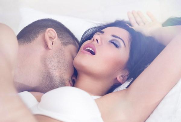 Bí quyết làm cho phụ nữ sướng và phê ngất ngây trên giường