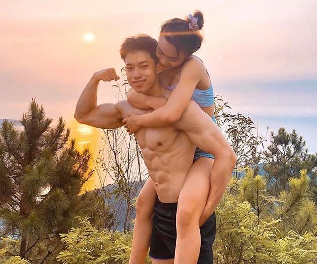 Đi tập gym, cô gái cưa đổ chàng huấn luyện viên kém tuổi