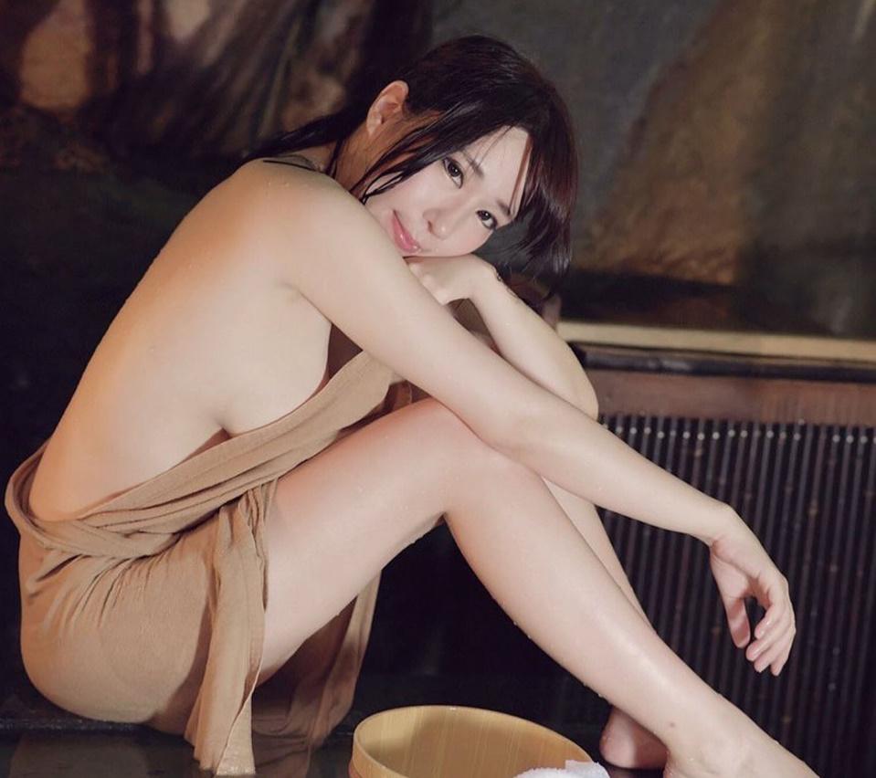 [Tin] - Nàng Rika Nhật gợi cảm với bộ ngực khủng cosplay