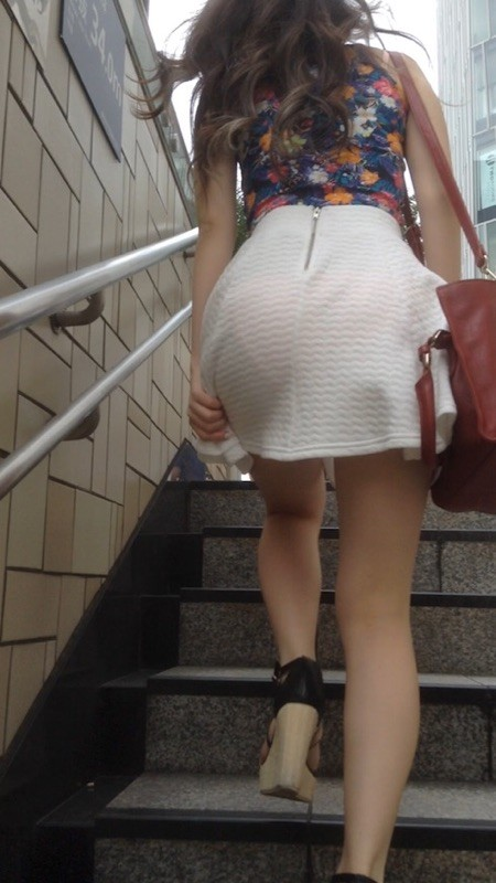 tight_skirt91224001.jpg