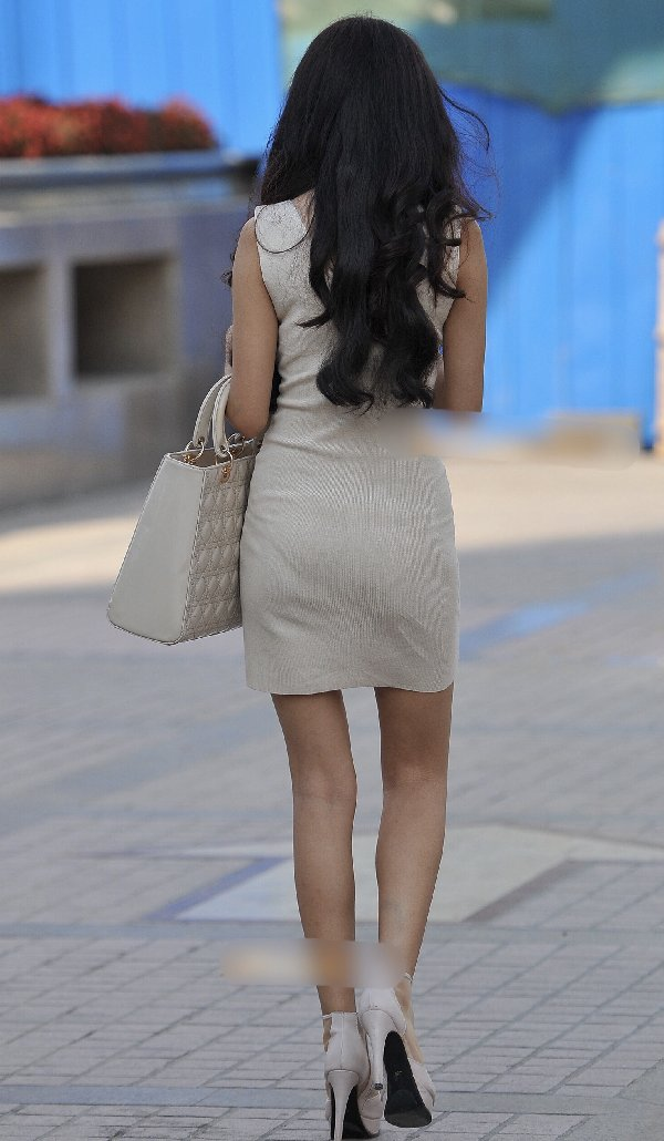tight_skirt91224011.jpg