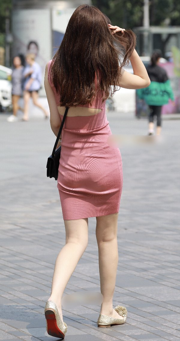 tight_skirt91224020.jpg