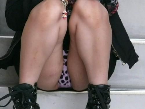 upskirt squat91227001